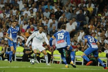 Real Madrid 2-0 Espanyol: CR7 vẫn tịt ngòi
