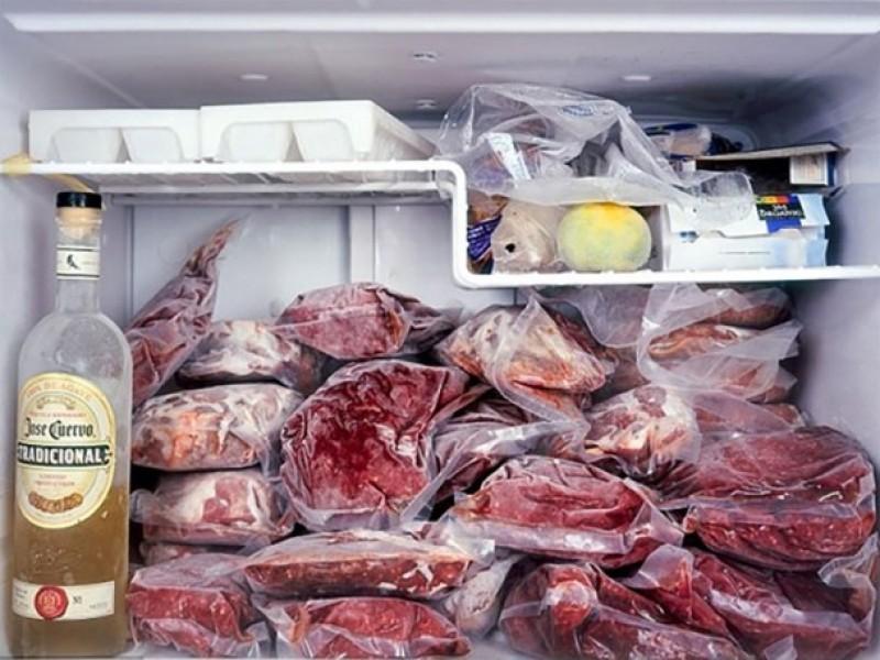 Đựng đồ ăn trong ngăn đá bằng túi ni lông liệu có hại?