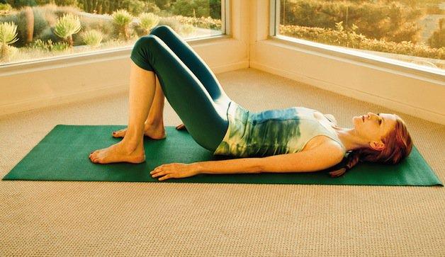 Chữa bệnh đau lưng tại nhà bằng 4 bài thể dục đơn giản