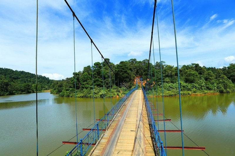 Đến Hồ Pá Khoang tận hưởng không khí trong lành, dễ chịu