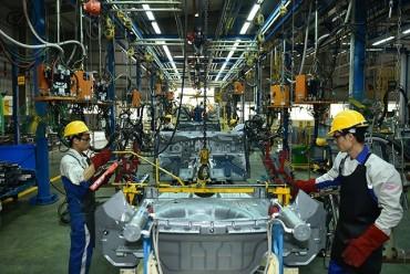 """Tạo """"đòn bẩy"""" cho ngành công nghiệp ô-tô"""