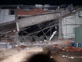 Sập ôvăng siêu thị đang thi công, 3 người bị thương nặng