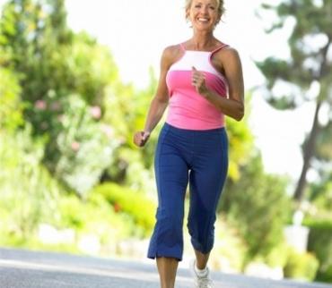 Đi bộ như thế nào để giảm mỡ máu?