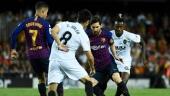 Valencia 1-1 Barca: Hòa thất vọng, Barca mất ngôi đầu