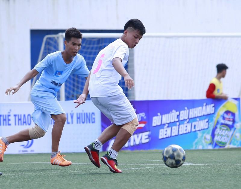 Vòng bảng giải bóng đá học sinh Hà Nội tranh cup Number 1 Active nhiều kịch tính
