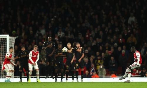 Arsenal 3-2 Guimaraes: Pepe lập cú đúp, Arsenal ngược dòng nghẹt thở