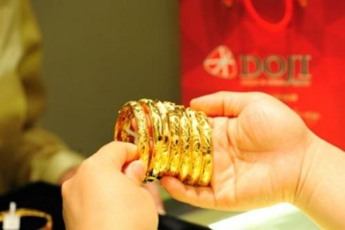 Giá vàng hôm nay 28/10, hướng tới 42 triệu đồng/lượng