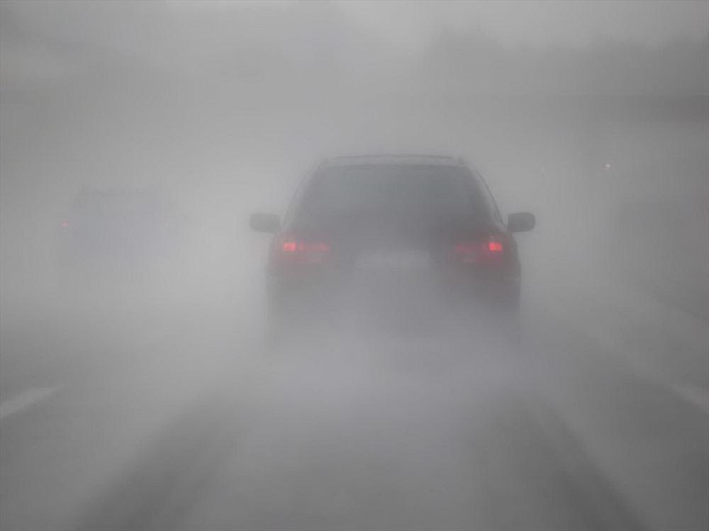 kinh nghiem nam long khi lai xe trong thoi tiet suong mu