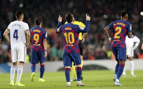 Barcelona 5-1 Valladolid: Messi lập cú đúp, vượt mặt C.Ronaldo