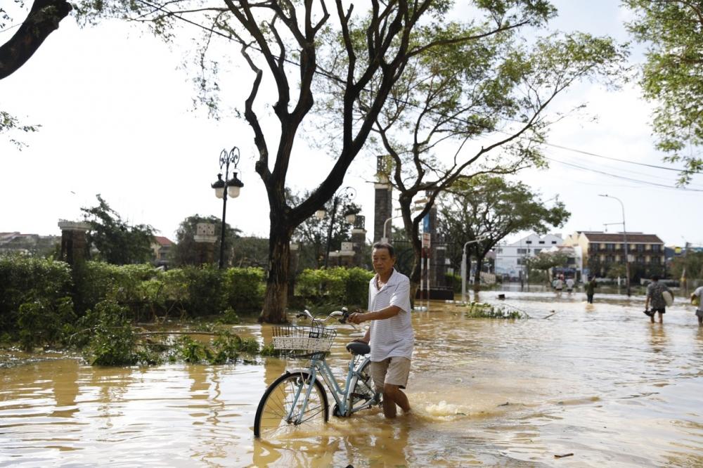 Quảng Nam lũ chồng bão số 9 gây thiệt hại nặng nề