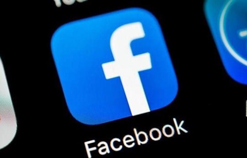 """Vì sao người dùng dễ bị tổn thương mỗi lần Facebook """"sập mạng""""?"""