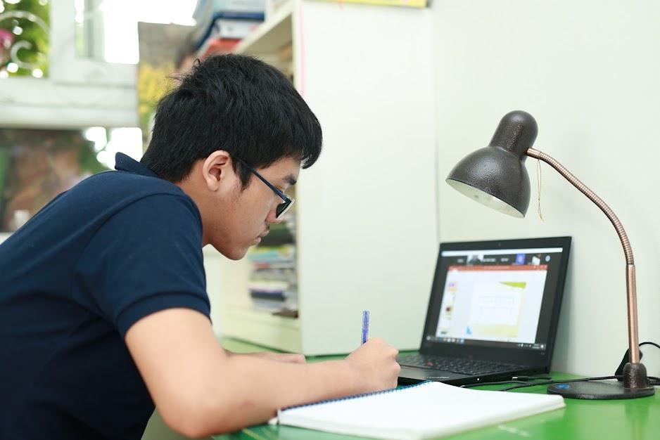 Thi trực tuyến: Nỗ lực thực hiện kiểm tra, đánh giá đúng năng lực học sinh