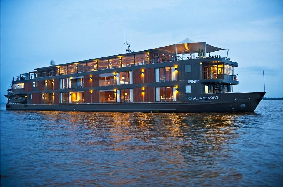Kỳ nghỉ trăng mật trên mặt nước với những con thuyền lãng mạn của  Aqua Expeditions sẽ khiến du khách hài lòng.