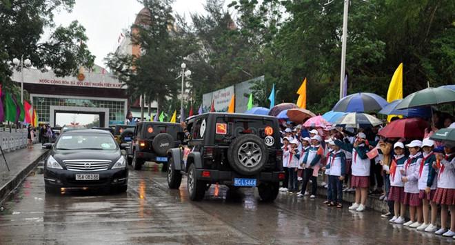 Quảng Ninh thí điểm ô tô du lịch tự lái qua biên giới