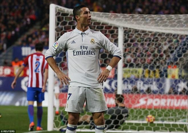 Cristiano Ronaldo lập hat-trick, Real Madrid thắng vùi dập Atletico