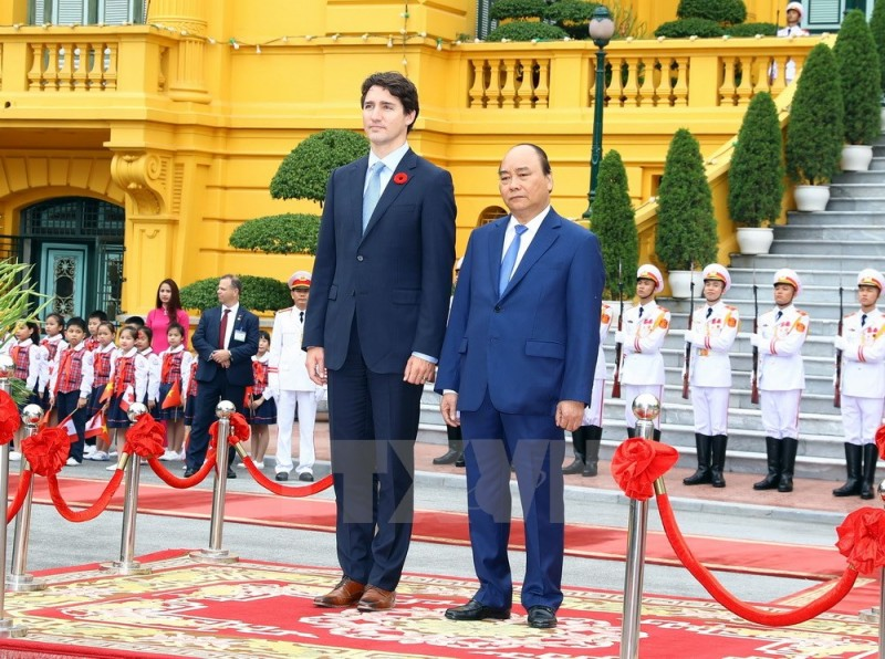 hinh anh le don thu tuong canada justin trudeau tham viet nam