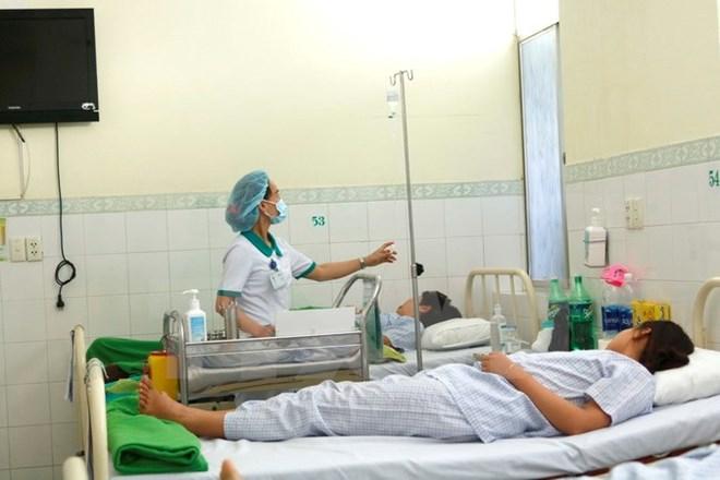 24 người nhập viện do ngộ độc thực phẩm sau khi ăn cỗ cưới
