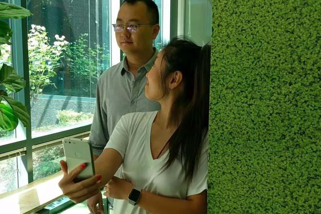 Google AI có thể giúp phát hiện ai xem lén điện thoại sau lưng