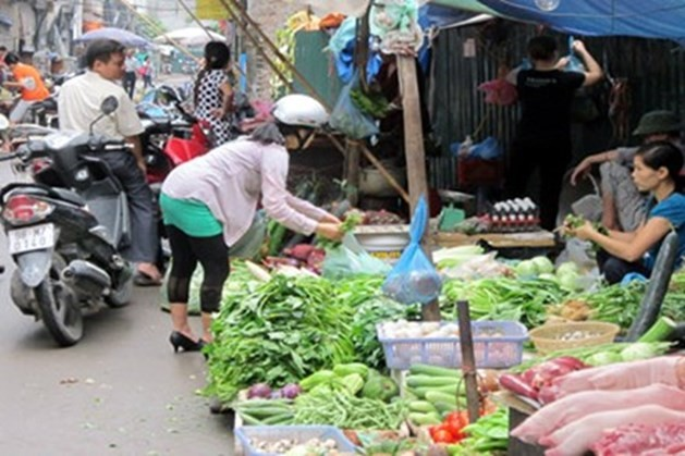 Chợ truyền thống trên địa bàn Hà Nội: Cải tạo để tồn tại và phát triển