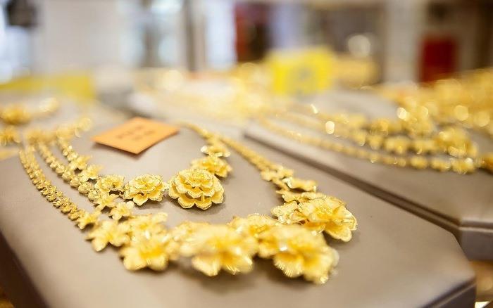 Giá vàng hôm nay 14.11: Bán tháo ồ ạt, vàng xuống ngưỡng nhạy cảm