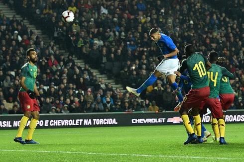 Brazil 1-0 Cameroon: Người đóng thế hoàn hảo