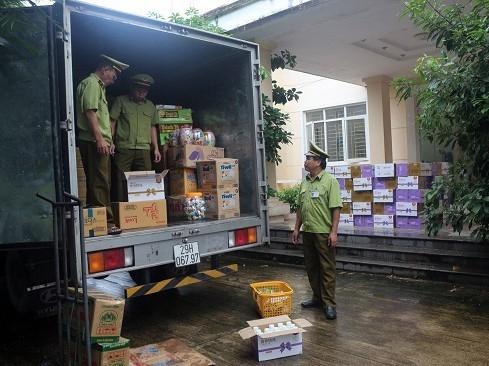 Sữa chua Trung Quốc nhập lậu: Mối lo ngại cho người tiêu dùng Việt