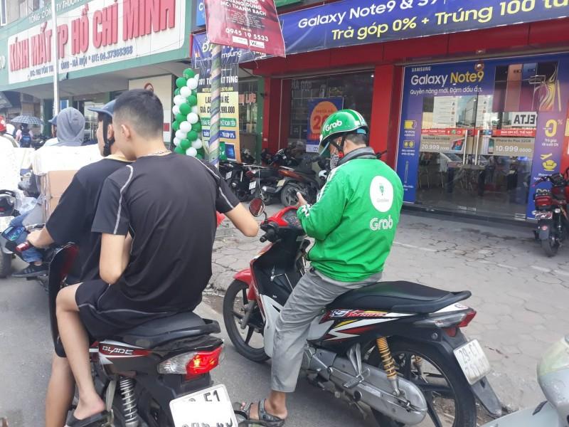 Không đội mũ bảo hiểm khi tham gia giao thông: Không thấy phạt nên nhờn luật!