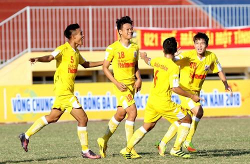 Chủ nhà Hà Nội bị cầm chân trong ngày khởi tranh môn bóng đá nam