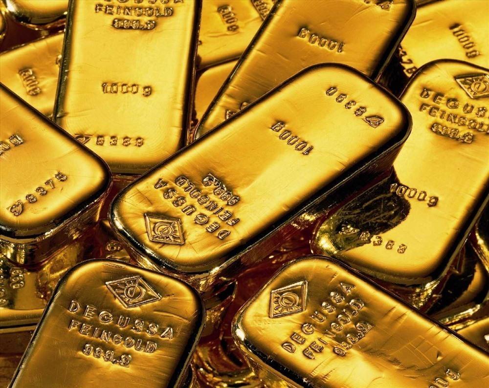 Giá vàng hôm nay 6/11: Giảm sâu kỷ lục, có nên bán vàng lúc này?