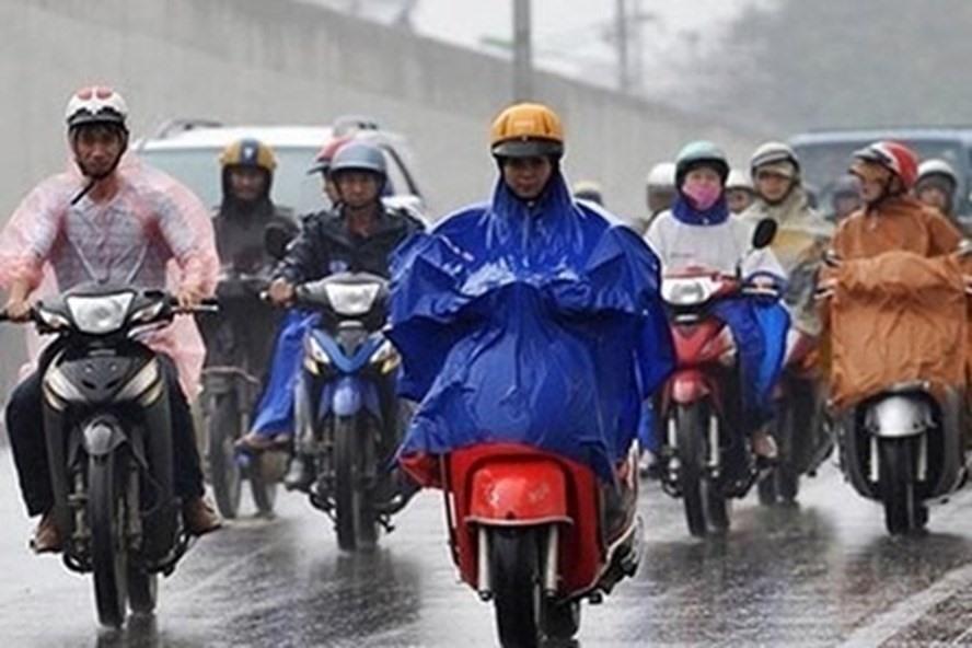 Không khí lạnh liên tục tăng cường gây mưa dông diện rộng kéo dài