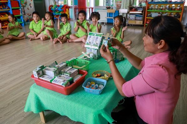 Chương trình sữa học đường TP. Hồ Chí Minh mở rộng đến 24 quận, huyện