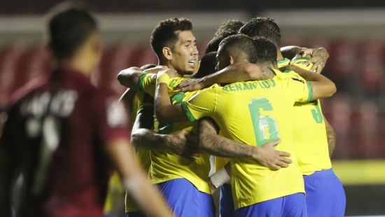 Brazil 1-0 Venezuela: Vắng Neymar, Brazil nhọc nhằn vượt ải