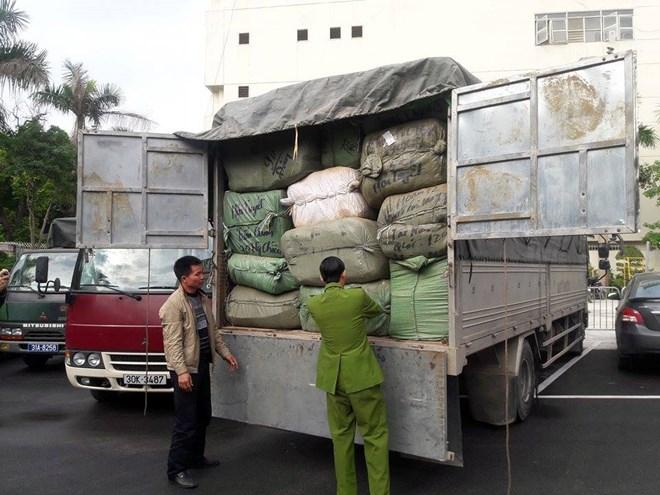Hà Nội: Triệt phá 2 lô hàng nhập lậu số lượng lớn trong 2 ngày