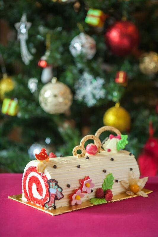 bánh Noel, Giáng sinh 2015, bánh ông già Noel, bánh khúc cây, bánh socola
