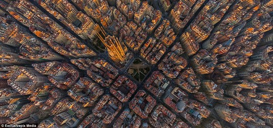 Barcelona: There are more than 2,000 photos in the album showing over 200 famous locations of the planet