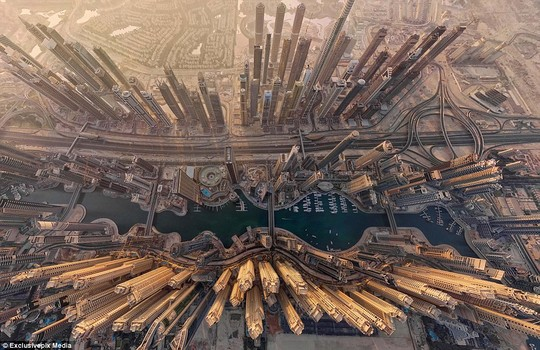 Central Dubai: A futuristic-looking photo captures the largest city in The United Arabic Emirates in all its splendour
