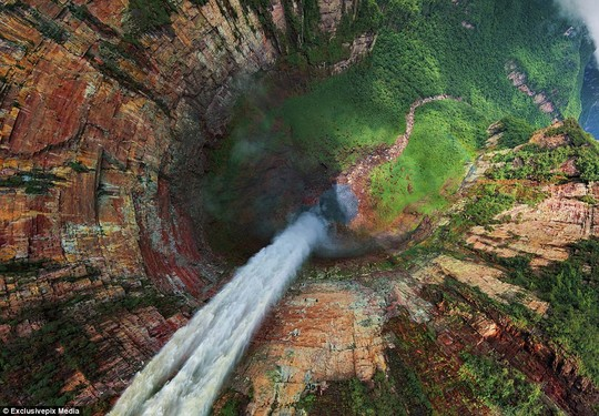 The Churun-meru (Dragon) and Cortina Falls in Venezuela: The awesome natural wonder is part of the Angel Falls in Venezuela
