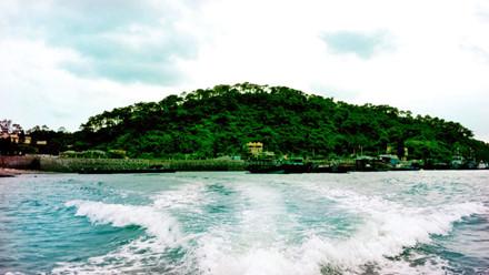 """Đẹp """"mê hồn"""" hòn đảo ít người biết ở Quảng Ninh"""