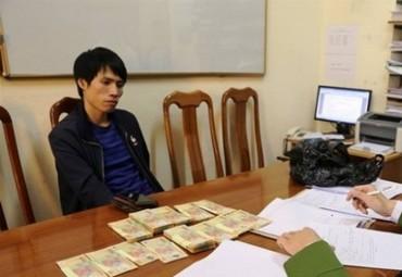 Cảnh báo tội phạm tiền giả dịp cuối năm