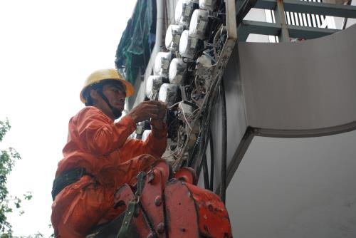 EVNNPC đảm bảo cung ứng điện an toàn, ổn định trong dịp Tết