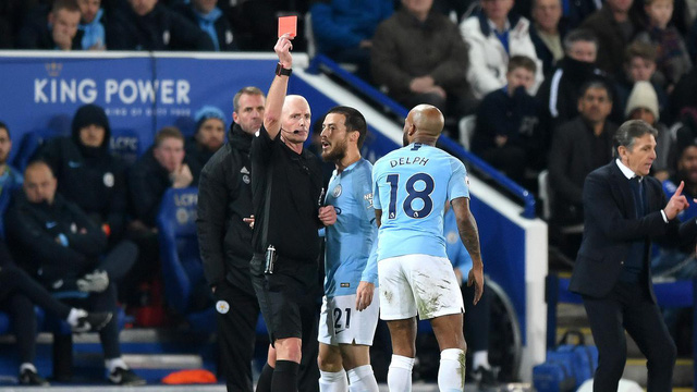Leicester 2-1 Man City: ĐKVĐ thua trận thứ hai liên tiếp, ngôi vương khó bảo toàn