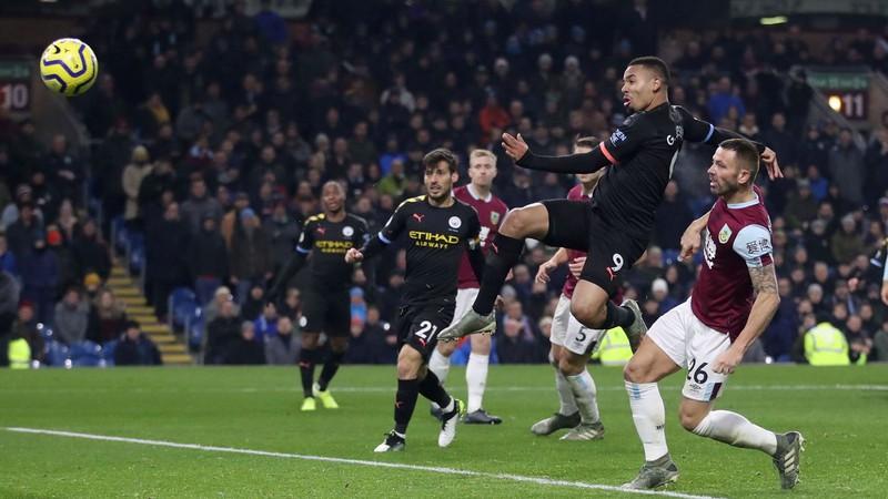 Burnley 1-4 Man City: Còn nước còn tát