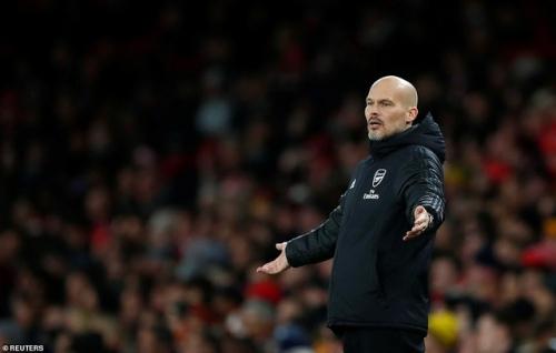 Arsenal 1-2 Brighton: Thay tướng nhưng chưa đổi vận