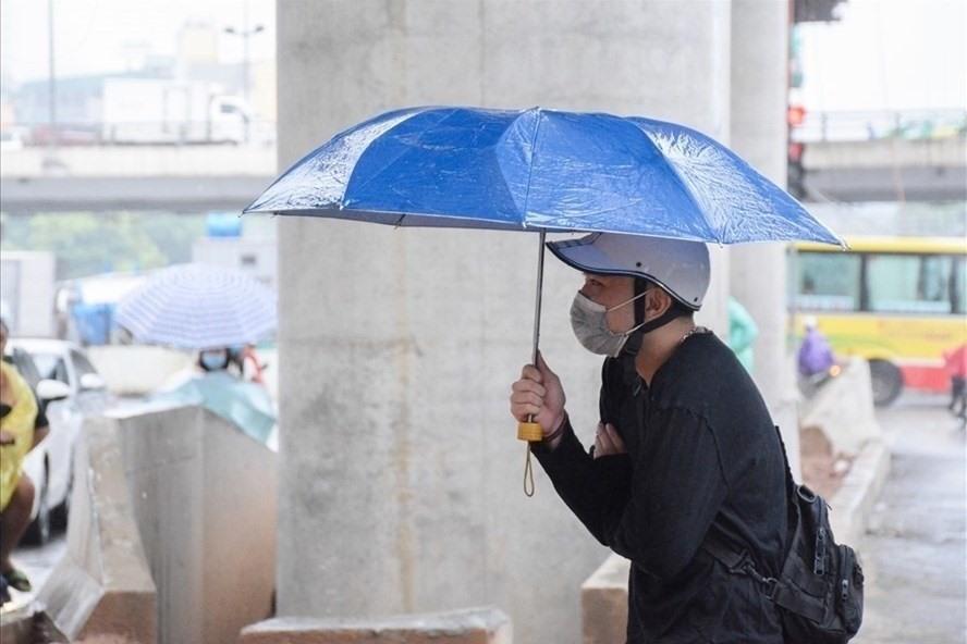 Bao giờ thời tiết ngày hanh khô khó chịu, rét buốt về đêm kết thúc?