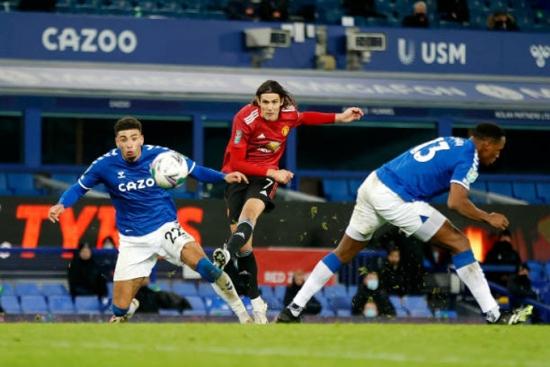 Everton 0-2 Man Utd: Vỡ òa phút chót