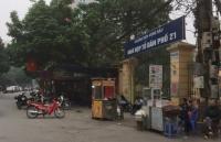 Nhiều hàng quán, chợ cóc lấn chiếm vỉa hè, lòng đường