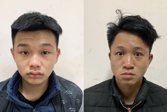 Công an quận Long Biên bắt giữ 2 đối tượng cướp giật tài sản dịp cuối năm