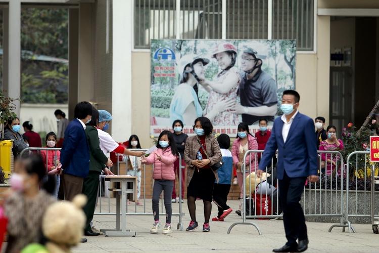 Mùng 3 Tết, toàn bộ giáo viên, học sinh Trường Tiểu học Xuân Phương được trở về nhà