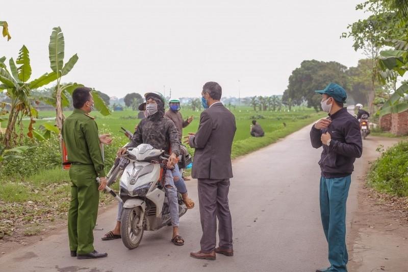 Khẩn trương truy vết những người tiếp xúc gần với F1 trên địa bàn xã Bột Xuyên và Hương Sơn