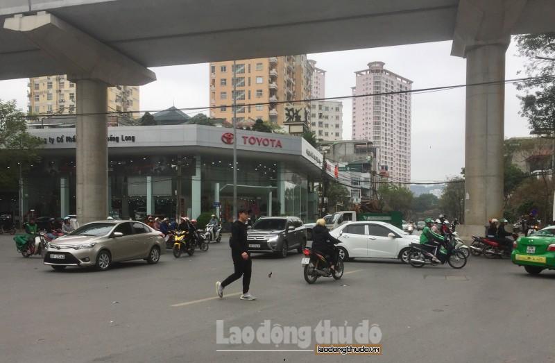 Điểm nóng ùn tắc do thiếu đèn tín hiệu giao thông